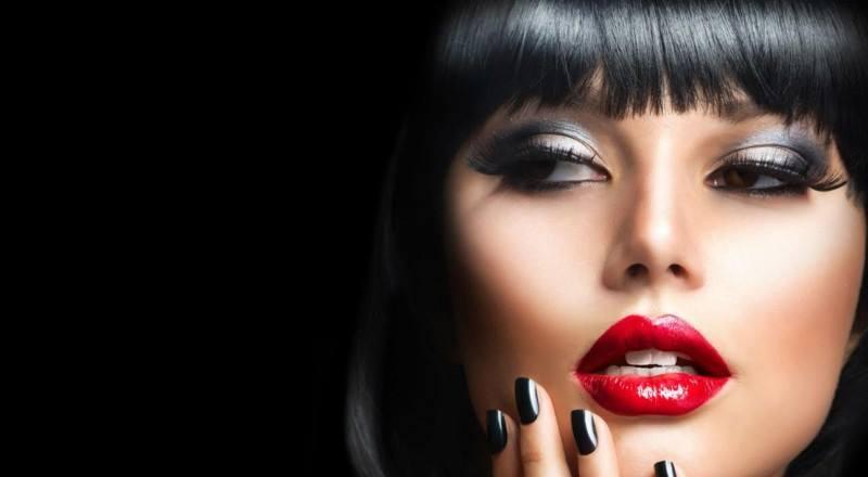 В нулевые года макияж носили достаточно яркий