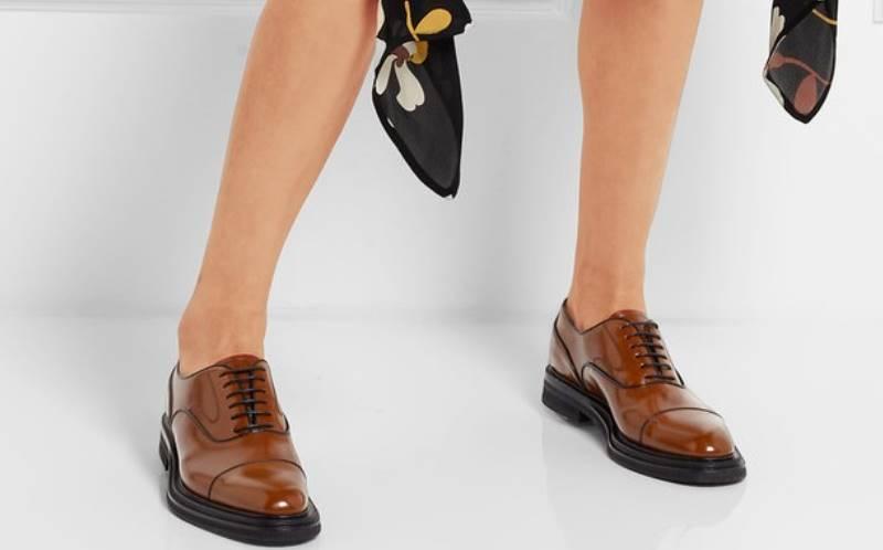 Туфли дерби можно спутать с оксфордами
